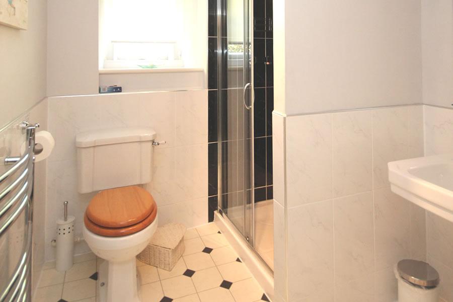 Bed and Breakfast Bathroom Room 2